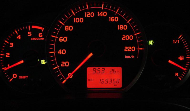 Toyota Yaris completo